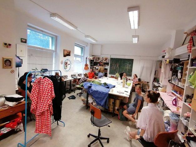 Šuper Šola Šivanja pri Anselmi se prvič predstavlja  v okrivu LJFW - Foto: Promocijski material