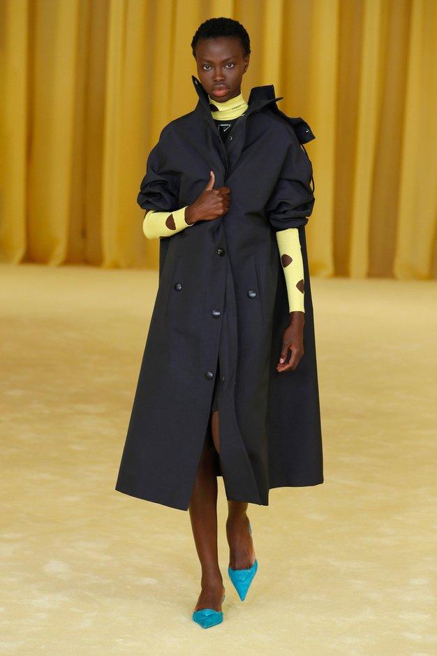 7 modnih trikov s Pradine modne revije, ki jih morate poznati - Foto: Profimedia