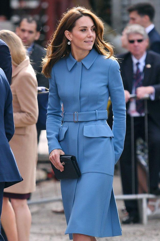 Srajca, ki jo je pravkar oblekla Kate Middleton, nosi posebno sporočilo - Foto: Profimedia
