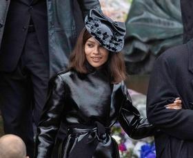 Usnjen plašč bomo nosili kot Zoë Kravitz v filmu Batman