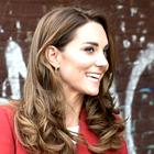 Zaljubili smo se v čudovit rdeč plašč Kate Middleton