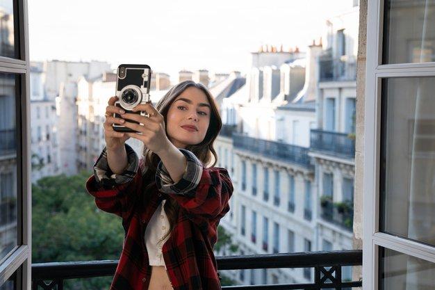 7 najbolj modnih likov iz serij, ki niso Emily in Paris - Foto: Profimedia