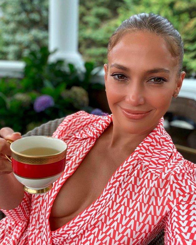 Jennifer Lopez je izbrala jopico te zime - Foto: Profimedia