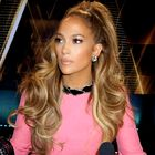 Rožnato barvo bomo to zimo nosili kot Jennifer Lopez