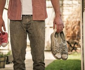 Moški z velikimi stopali pogosteje varajo, kažejo raziskave