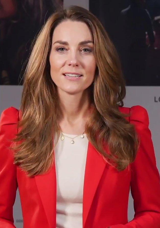 Rdeč blazer iz Zare po vzoru Kate Middleton - Foto: Profimedia