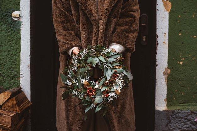 7 enostavnih korakov za izdelavo sanjskega adventnega venčka - Foto: Katja & Simon Photography