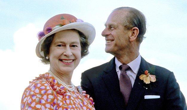 Kraljeve poročne obleke se nam zavedno vtisnjejo v spomnim. Najbolj znana je zagotovo poročna obleka princese Diane, ki so jo …