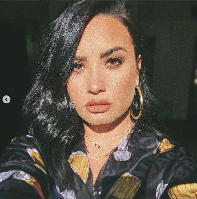 Demi Lovato je presenetila z novo pixie frizuro - želeli jo boste posnemati! - Foto: Profimedia