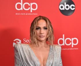 Vsi govorijo o tem drznem stajlingu Jennifer Lopez