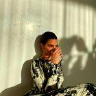 Kendall Jenner za letošnjo zimo izbrala čudovit kamelji plašč