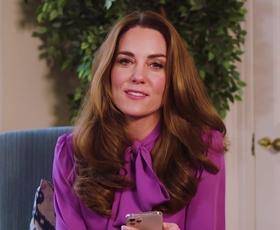 Kate Middleton elegantna v brezčasni jakni iz tvida