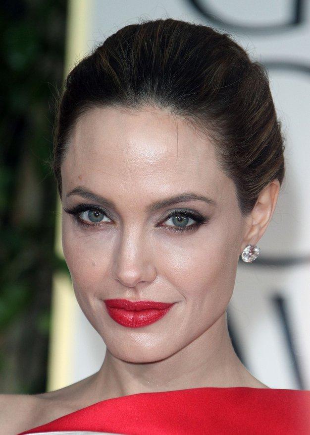 Zaljubili smo se v torbico, ki jo je nosila Angelina Jolie - Foto: Profimedia