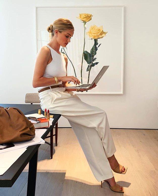 Delate od doma in težko ločujete med delom in vsakdanjim življenjem? Tako si lahko pomagate - Foto: Profimedia