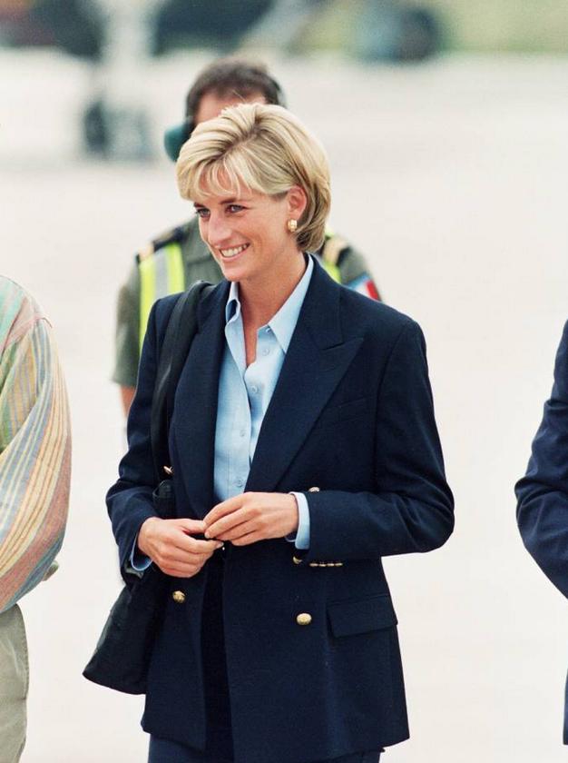 Blazer in kavbojke bomo spomladi nosili kot princesa Diana - Foto: Profimedia