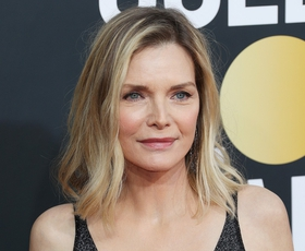 Michelle Pfeiffer je za svoj naslednji film postala rdečelaska. Videti je odlično!