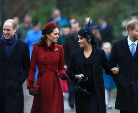 Poglejte vse čudovite obleke, ki jih je do sedaj na božični dan nosila kraljeva družina