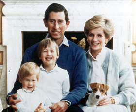 Poglejte si najlepše božične voščilnice kraljeve družine skozi leta