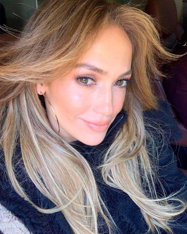 Jennifer Lopez nas je popolnoma osupnila v čudovitih zelenih kopalkah. Videti je izjemno! - Foto: Profimedia
