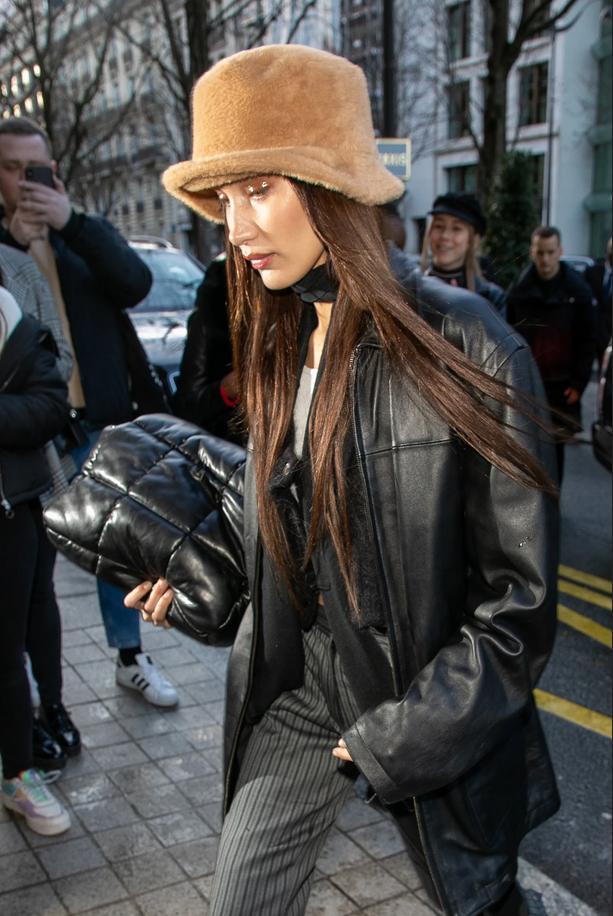 Ta topli klobuček trenutno obožujejo vse zvezdnice - Foto: Profimedia