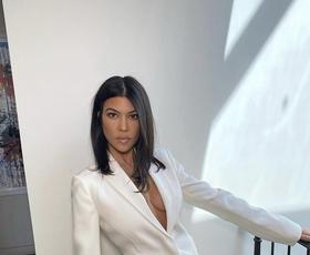 Ne boste verjeli, kdo je novi fant Kourtney Kardashian. Tu je vse, kar vemo o parčku