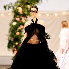 Oglejte si najlepše videze z modne revije Chanel Haute Couture
