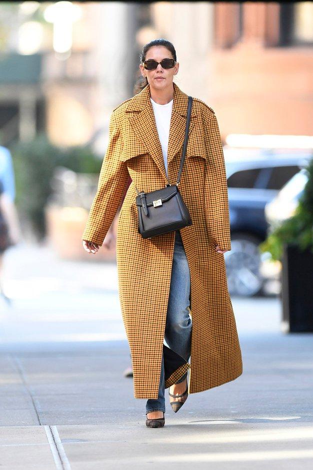 Katie Holmes nas je navdušila z najbolj modno kombinacijo te sezone - Foto: Profimedia