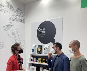 Qubik caffè elitni Dubaj očaral z omamnimi kavnimi aromami