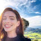 Anne Hathaway nosila čudovite čevlje, ki jih bomo pomladi oboževali