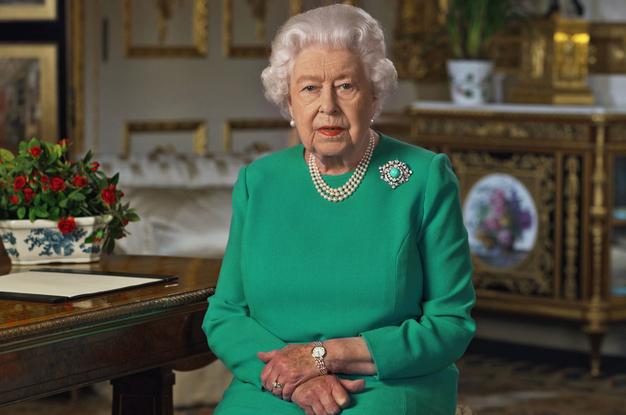 Poglejte, kaj je kraljica Elizabeta II. odgovorila Meghan Markle in princu Harryju po številnih obtožbah - Foto: Profimedia
