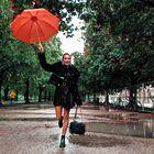 7 najbolj trendi stajlingov za deževne aprilske dni