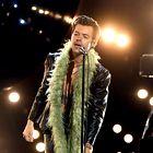Pozabite na navadno usnjeno jakno - Harry Styles je napovedal, kakšno bomo nosili sedaj