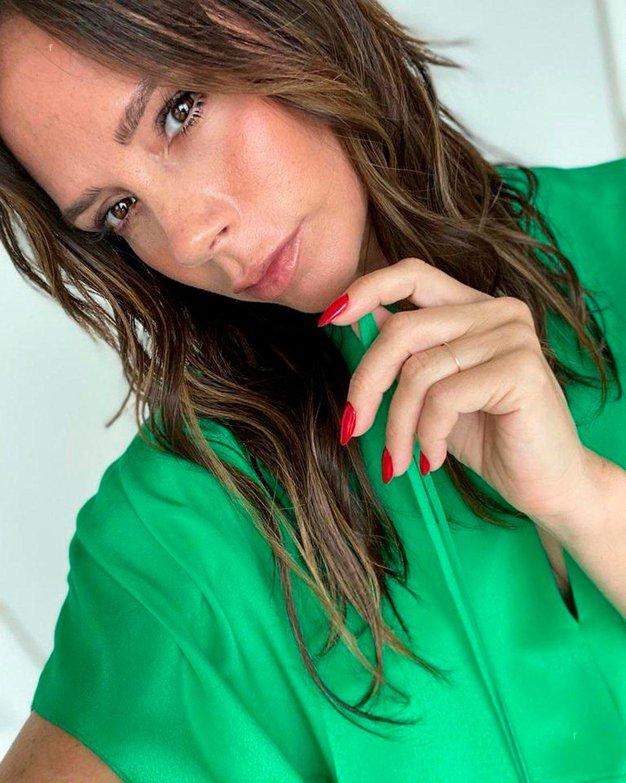 Ta obleka Victorie Beckham je vse, kar boste želeli nositi to pomlad - Foto: Profimedia