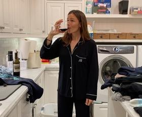 Zdaj, ko smo doma že eno leto, kdo je pri vas doma zadolžen za gospodinjska opravila?