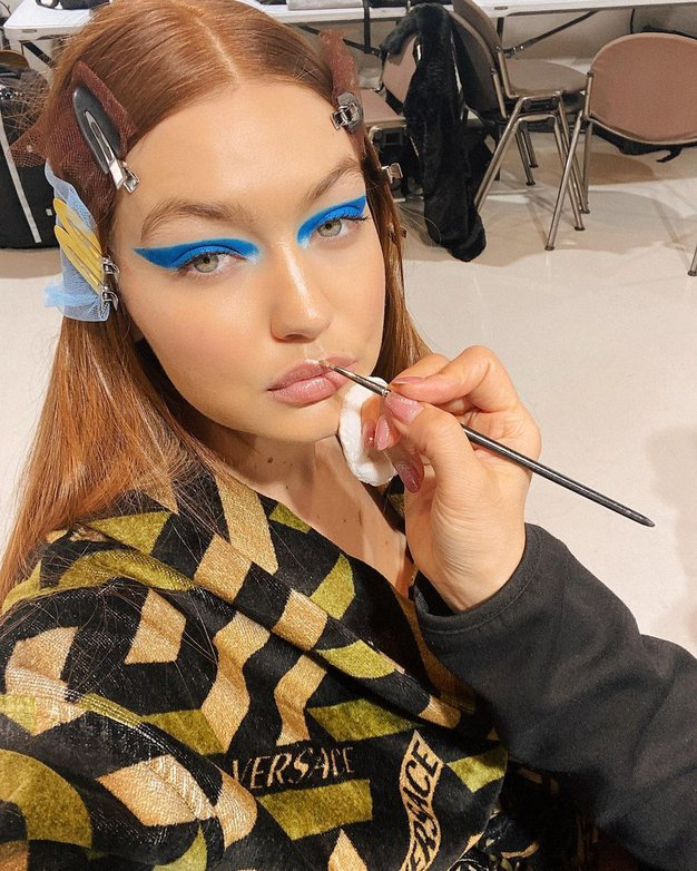 To je bizaren trend oblikovanja obrvi, ki ga obožuje Gigi Hadid - Foto: Profimedia