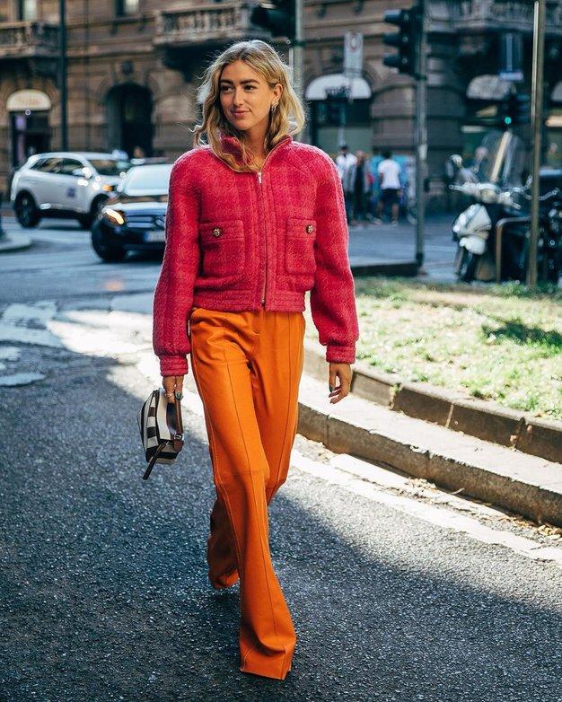 Pozabite na barvne kavbojke, to pomlad in poletje jih bomo nosili s tem detajlom - Foto: Profimedia