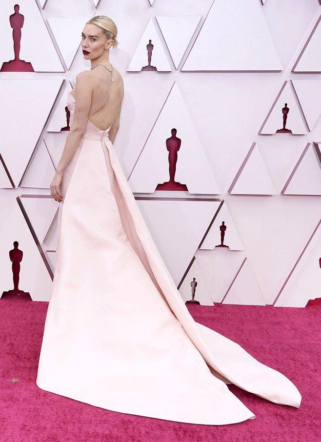 Vanessa Kirby v obleki Gucci