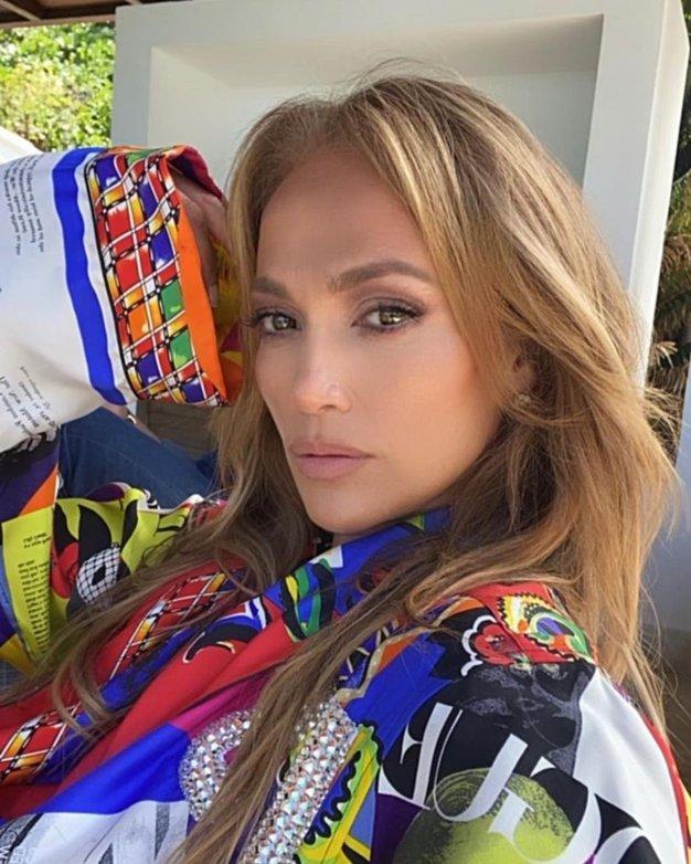 Ta pričeska Jennifer Lopez je popolna za vse priložnosti tega poletja - Foto: Profimedia