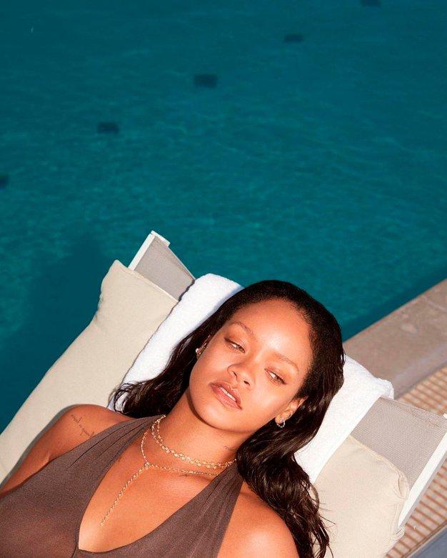 Rihanna ima novo čisto kratko pričesko. Je to nov trend leta 2021? - Foto: Profimedia