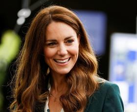Kate Middleton čudovita v obleki najbolj trendne barve te pomladi