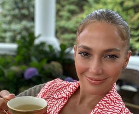 Maksi obleka Jennifer Lopez je vse, kar želimo nositi to poletje