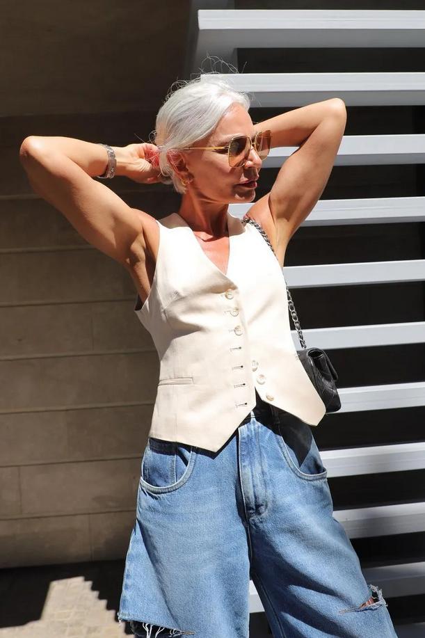 3 načini, kako letos nositi ta priljubljen trend za ženske nad 50. let - Foto: Instagram