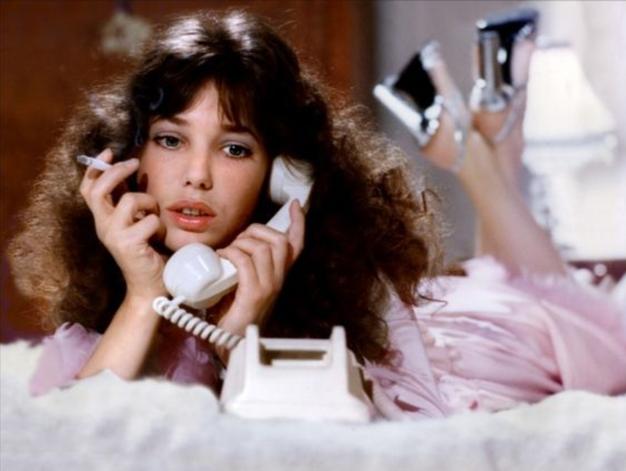 """""""Bila sem zasvojena s klicanjem jasnovidk po telefonu"""" (iskrena izpoved) - Foto: Profimedia"""