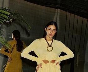 10 najlepših poletnih oblek z razprodaj, ki jih boste želeli imeti