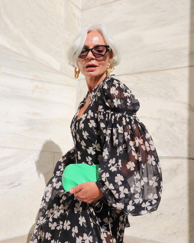 Poglejte, kako to poletje modno nositi cvetlične vzorce pri 50. letih in več - Foto: Instagram
