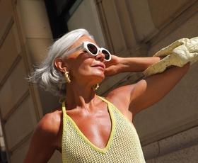 To je najbolj trenden model topov tega poletja, ki pristaja vsaki ženski