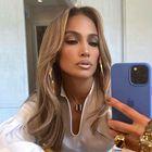 Jennifer Lopez nosila anti trend letošnjih kavbojk in pokazala popoln jesenski stajling