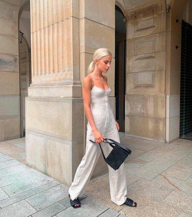 To je najbolj priljubljen trend dolgih hlač to poletje - Foto: Profimedia