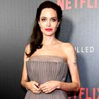 Angelina Jolie nosila popoln jesenski stajling za vse ženske nad 50 let