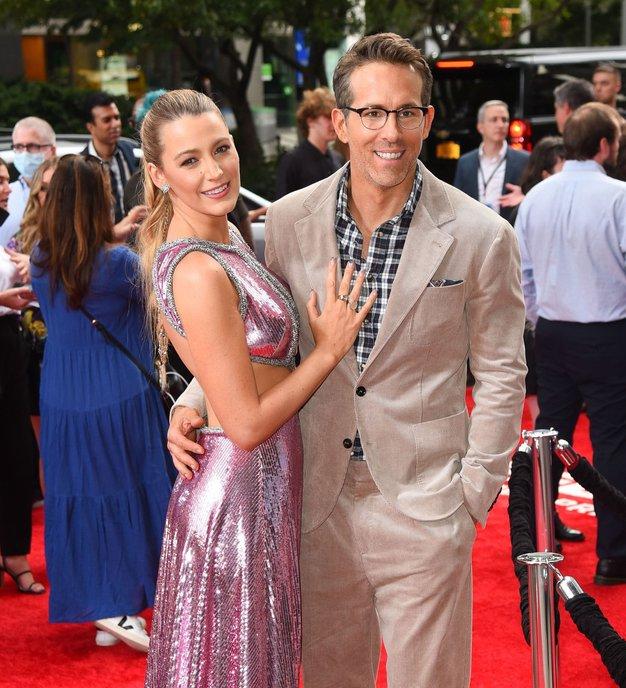 Blake Lively in Ryan Reynolds končno spet skupaj na rdeči preprogi! Poglejte njeno čudovito obleko - Foto: Profimedia
